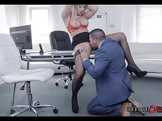 Blonde MILF in Stockings gets Fucked during Lunch Break