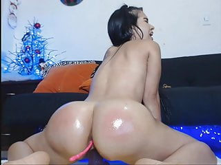 Slim Latina With Great Booty Squirting