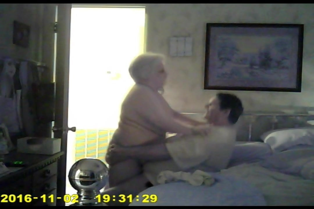 Free download & watch old hot time          porn movies
