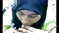 Arab women covered suck her boss