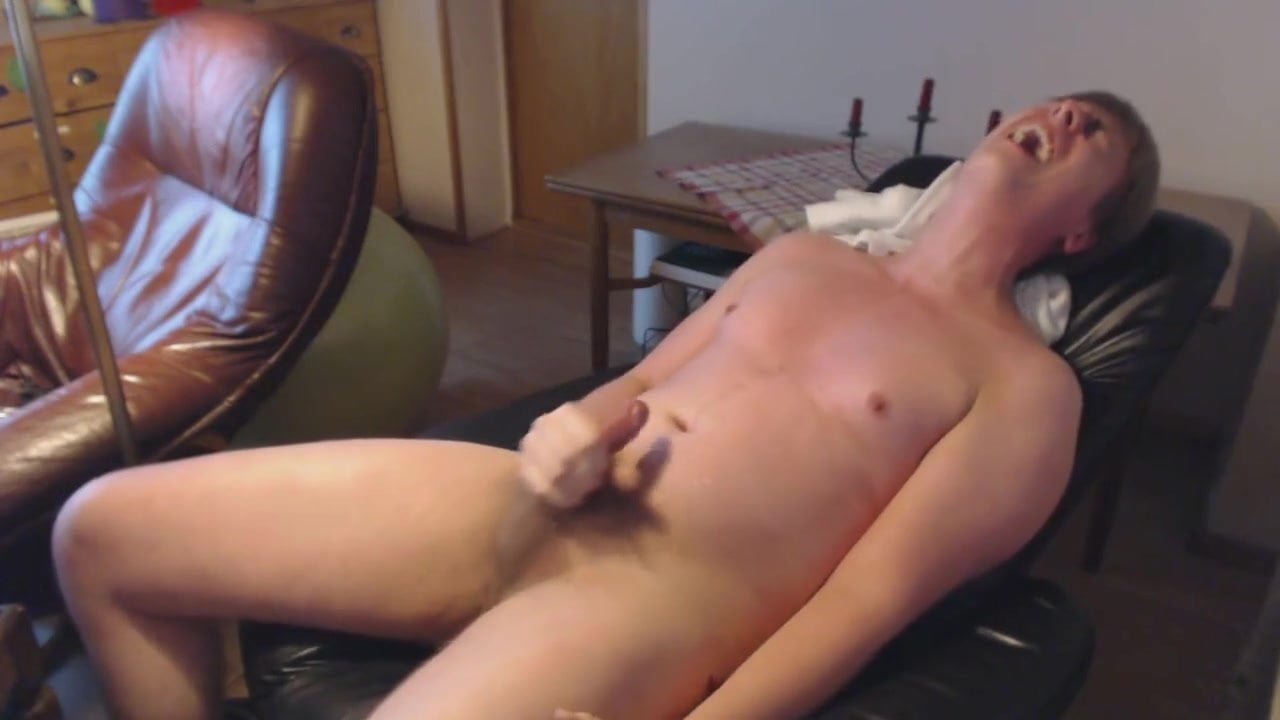 Masturbating to gay porn