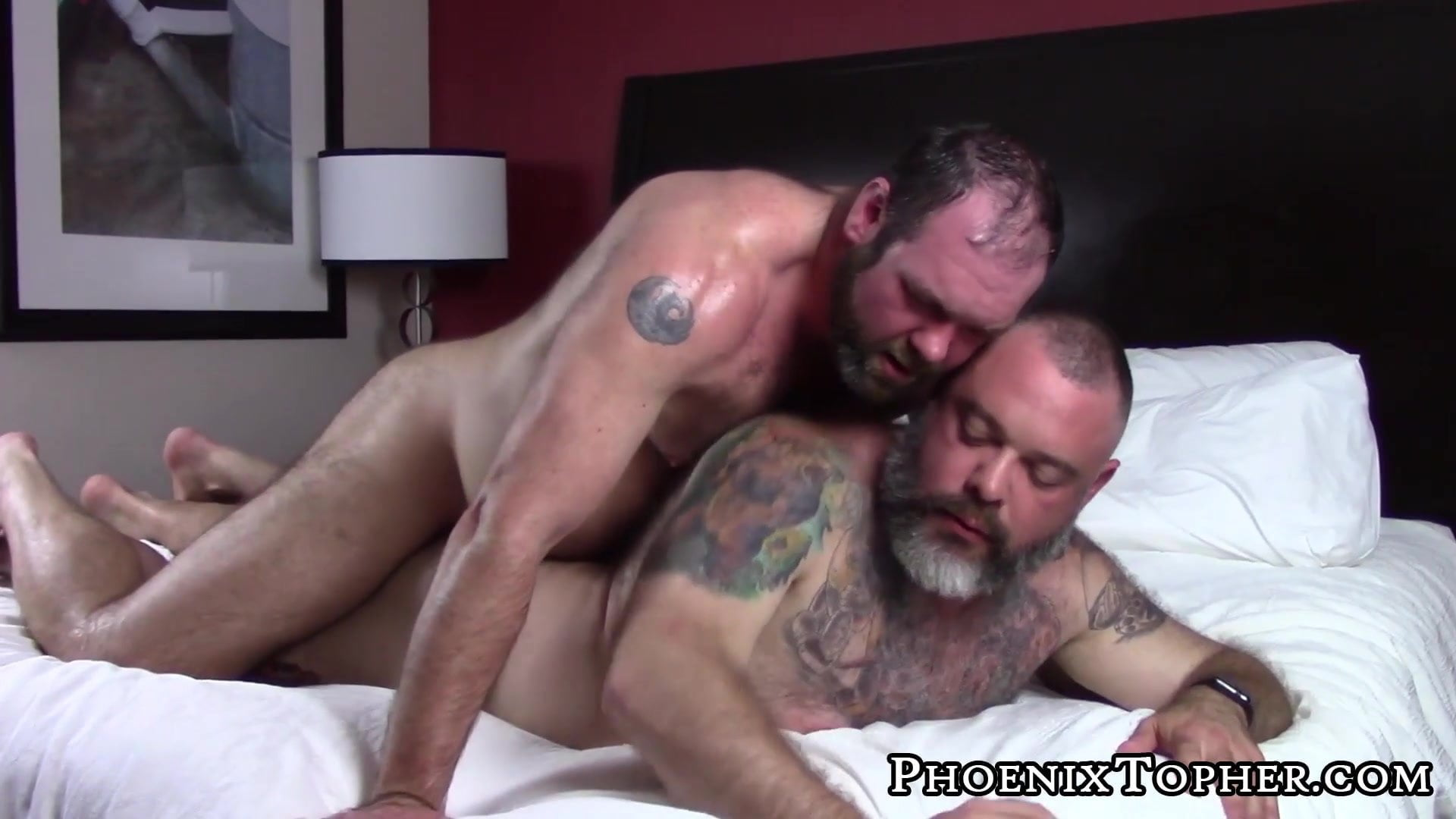 Watch all best Gay Daddy Bear XXX vids right now!