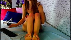 Gourgeous cam girl with stunning legs and feet