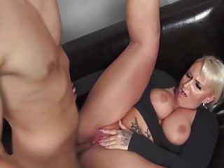 Download video bokep Deutsch Cougar Mp4 terbaru