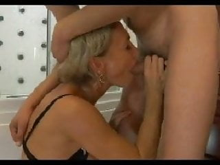 Download video bokep HOT MOM n150 blonde russian mature milf and a young man Mp4 terbaru