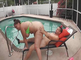 More BBW fun out by the pool