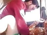 AMATEUTR INDIAN GIRL HAVING SEX IN THE CAR