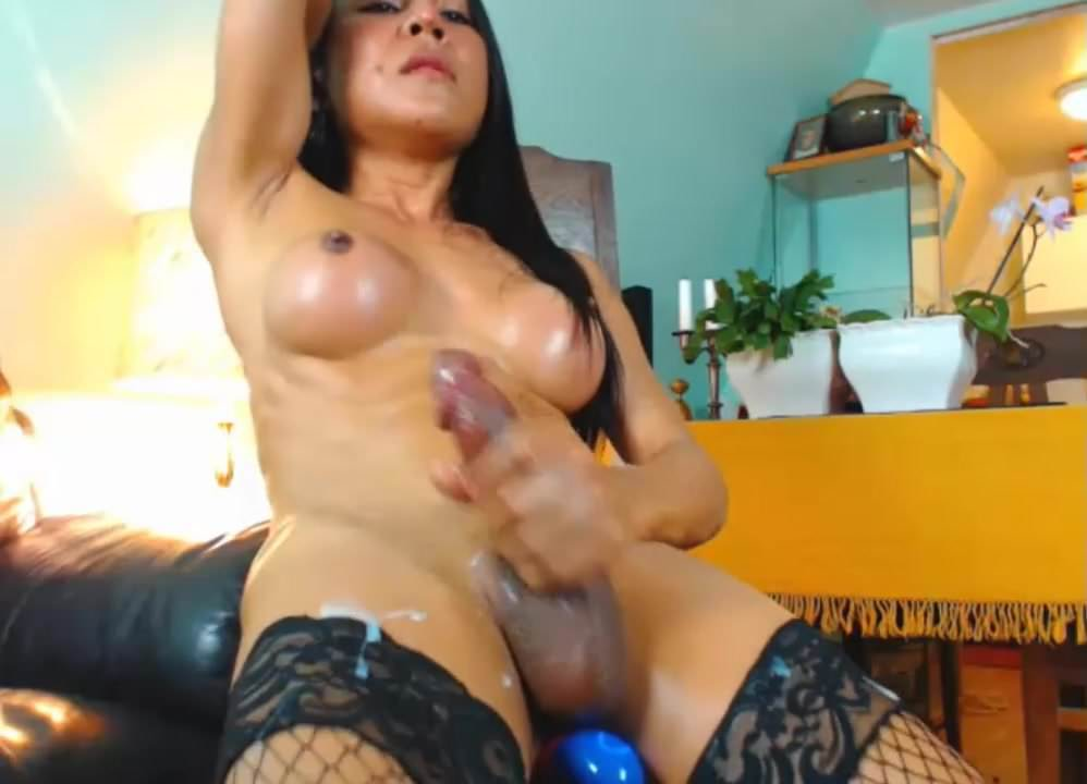 Teen bedroom solo orgasm