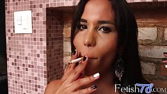 Chain smoking tranny with an amazing body wants your dick