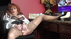 Samantha Makes You Want To Come To Work