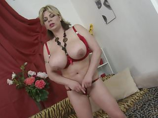 Big breasted mother Flavia with hungry old cunt
