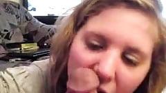 brunette cochonne qui aime sucer