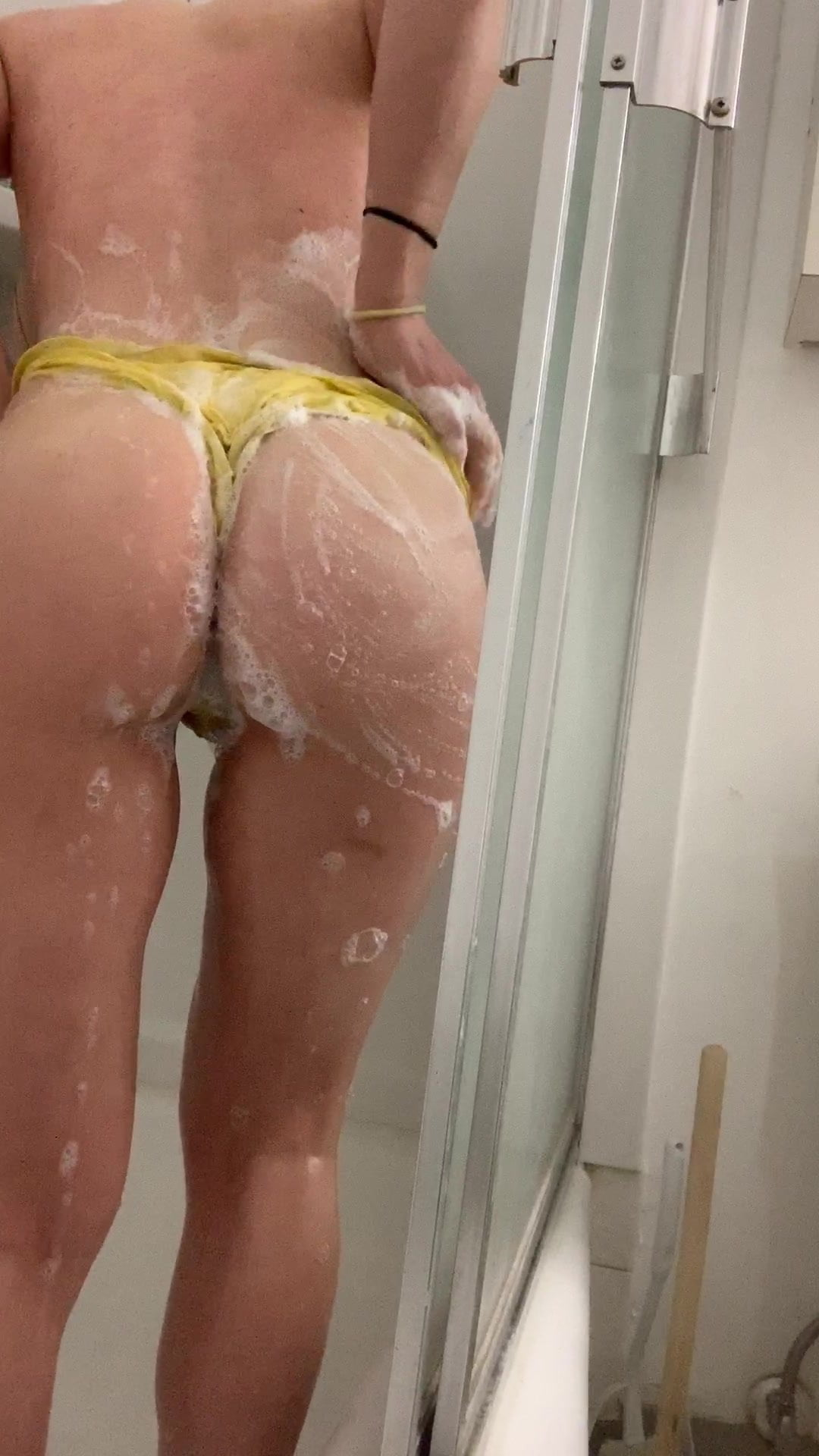 sparklebunneh taking part in within the bathe