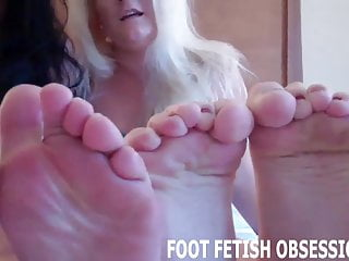 Blow a big load of cum all over my little feet JOI