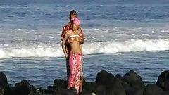 FUCK BLONDE IN REUNION ISLAND BEACH  PORNO 974