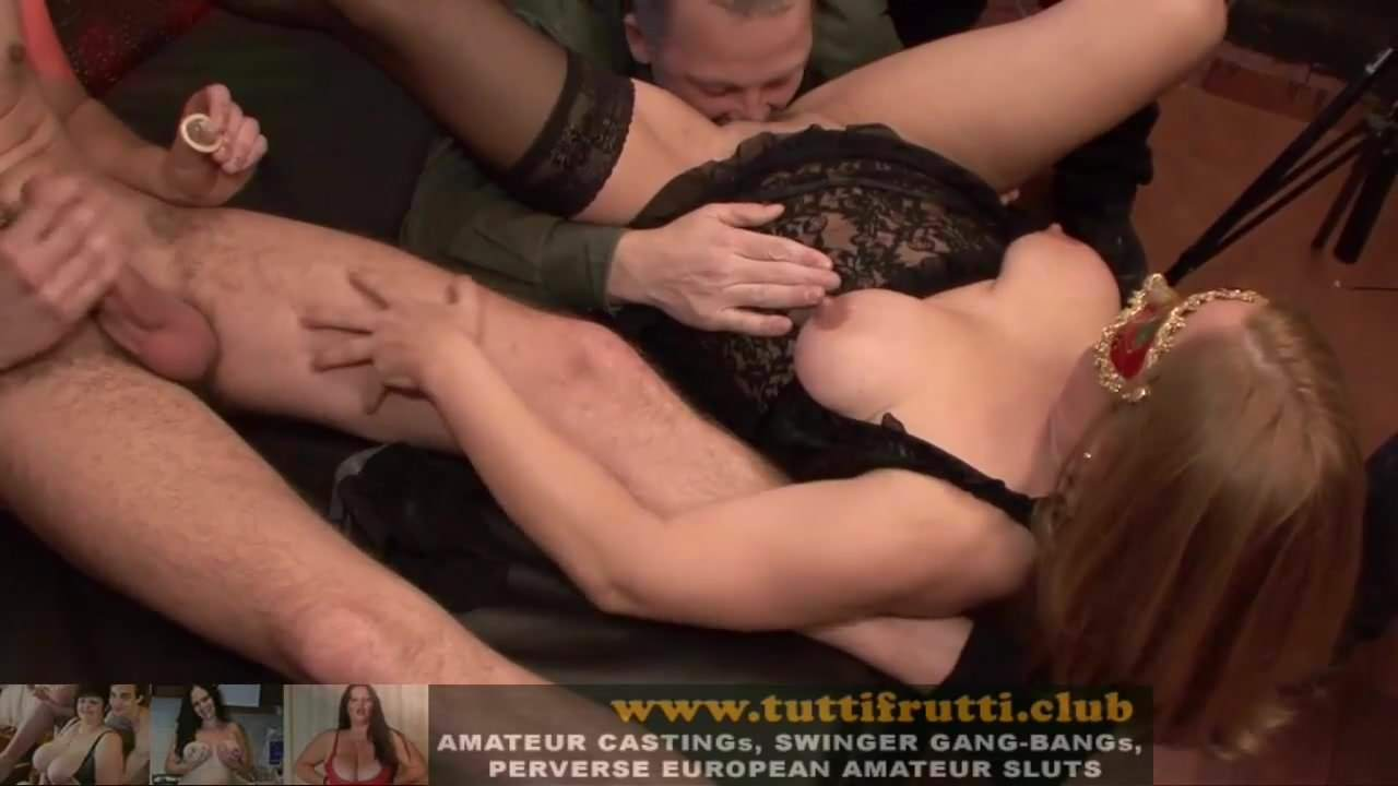 Guy licking girl vegina