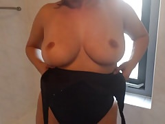 Alysha Flashing her Hips & Big Tits