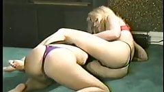 blonde facesitting catfight