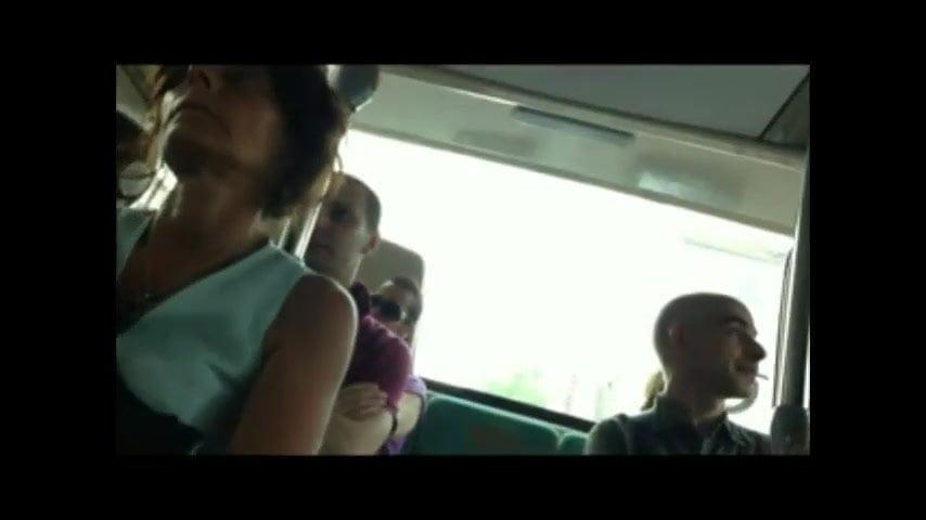 Видео старик лапает в автобусе