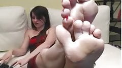 RED TOES WHITE WRIMKLED SOLES