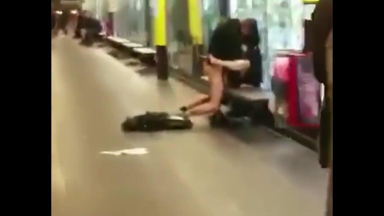 Barcelona Porno En La Calle sexo en el metro de barcelona