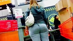 LAWDHAFMERCI!!!!!! PAWG AT HOME DEPOT!!!!