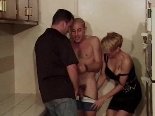 Videos mobile free porn caught sex Husband joins wife