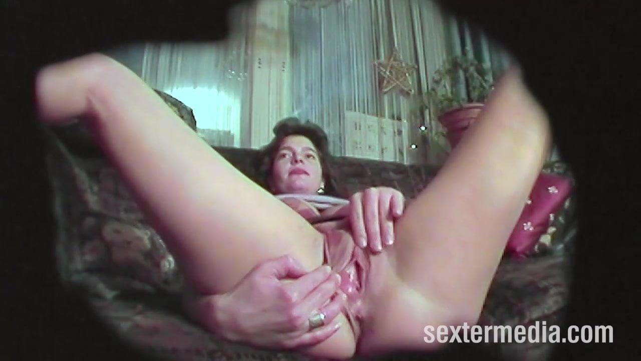 bolshim-masturbatsii-zrelih-zhenshin-skritoy-kameroy-nevesta