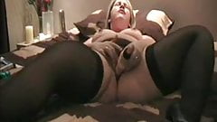 Chubby MILF in stockings cums