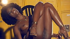 Ana Foxxx Is An Afro Wearing Goddess