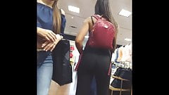 Candid voyeur perfect latina teen ass in leggings