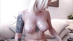 Horny sluts masturbate and pussy orgasm live webcam show
