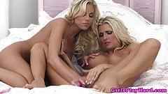 Lesbo Nicole Graves steamy pleasure