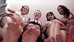 4 GianTess FooT GoDDesses