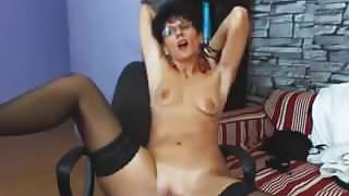 Hot Granny Show On Cam
