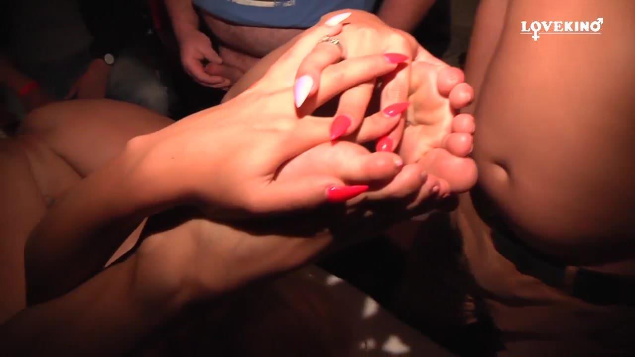 dojrzałe wytryski kciuki gorące lesbijki mamusie całujące