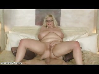 Sexy BBW MILF Takes Huge Cock in Her Ass