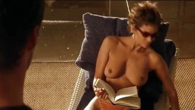 Halle berry naked boobs
