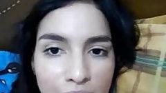 rosita 18 yo rica bogotana pajiandose bien rico por webcam