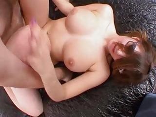 Teen timide fait son premier porno et jouie sans complexe !!