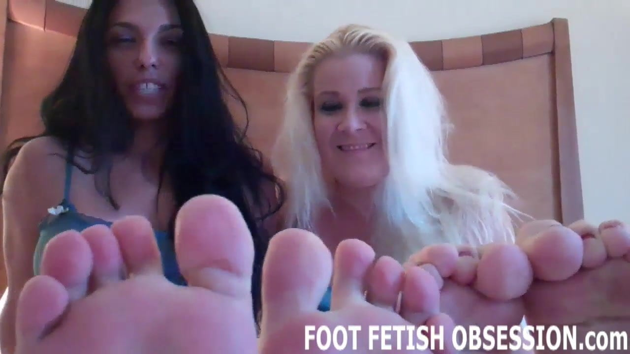 Blow your load all over my feet