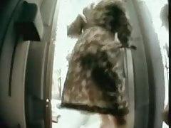 HUGE PUSSY LIPS LABIA VOYEUR PISSING PUBLIC BATHROOM