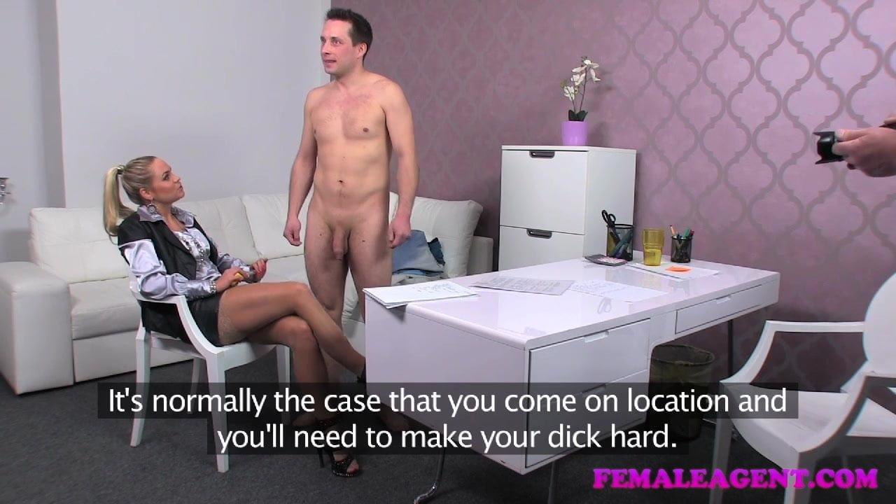 порно женщина агент проводит кастинг парня
