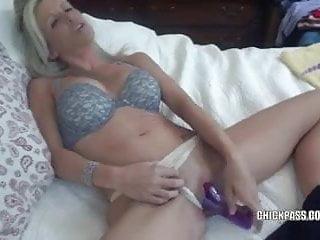 Blonde MILF Jolene sucks some dick