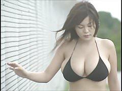 Japanese Busty Idol - Yoko Matsugane 01