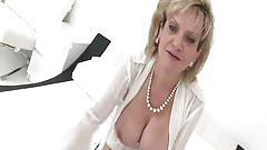 British MILF Gives You JOI