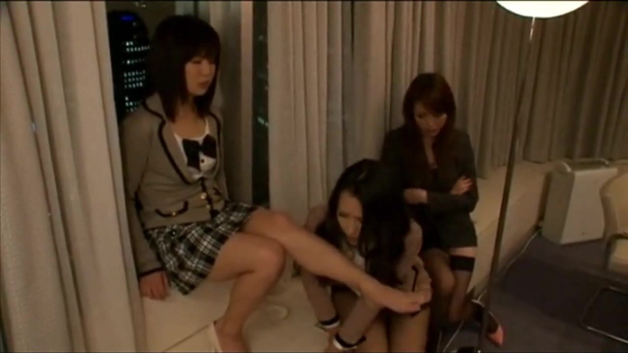 Asian Teacher Cant Resist Cute Schoolgirl Free Hd Porn Dc-1405