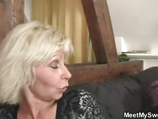 Boyfriend letting everyone fuck his girl - He leaves for booze and parents fuck his girl