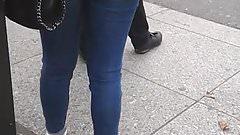 Beurette en Jeans moulant