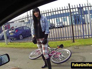 UK policeman fucks inked sluts pussy outside